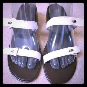 Etienne Aigner white leather sandals shoes sz 9N